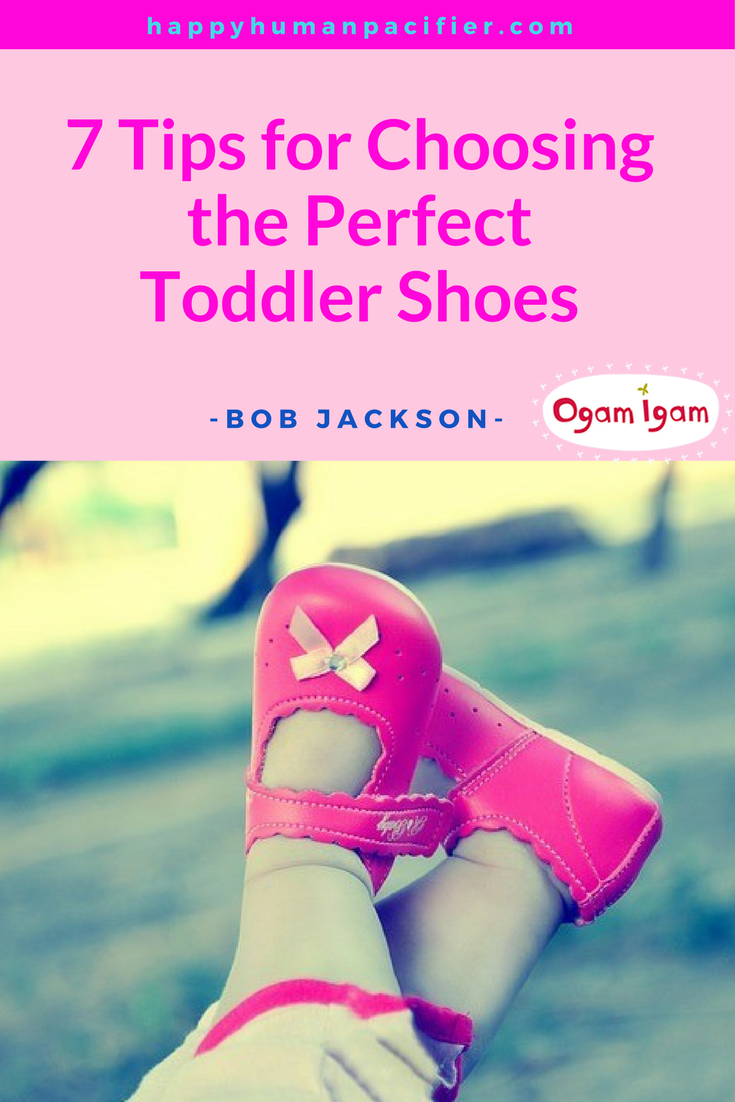 Is baby ready for his first pair of shoes? Here's what you need to know. | howtochoosetoddlerschoose |